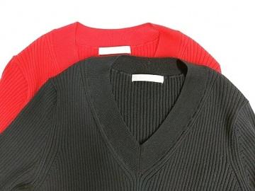 ドゥクラッセ・コットンニットVネックセーター.jpg