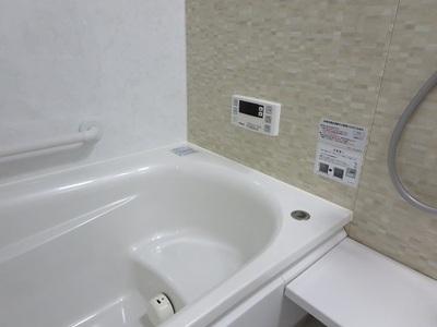 お風呂場の掃除は腰痛に要注意!!