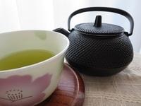 南部鉄器・急須&緑茶.JPG