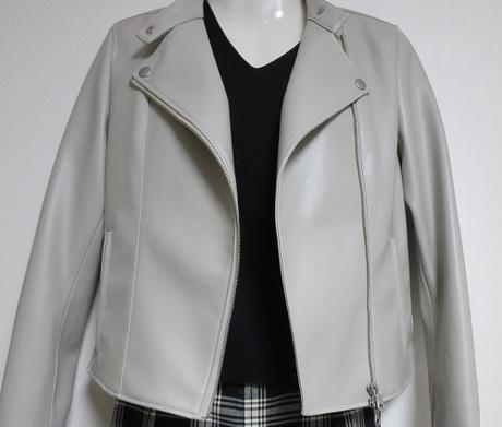 50代骨格ストレート・ライダースジャケットをカッコ可愛くて着こなしたい!