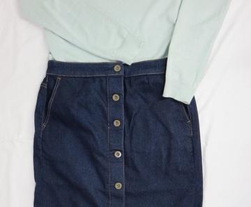 スカートとパンツ、どっちが好き?|50代、パンツスタイルが多い私が久々にスカートをはく理由