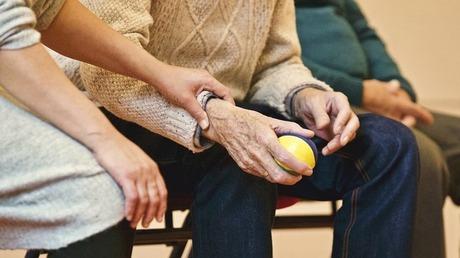 認知症対応の通所介護(デイサービス)と普通の通所介護の違い