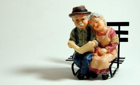 行政や民間の高齢者見守りサービス|上手に使って家族みんなが安心に
