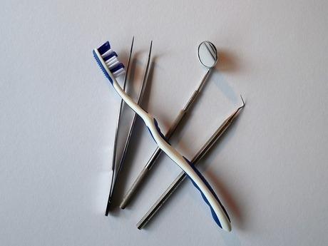 更年期と歯のメンテナンス|歯の健康と体の健康を維持するために