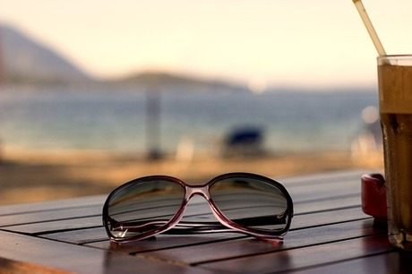 50代の老眼鏡デビュー|単焦点手元用メガネでPC作業も料理もラクに