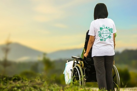 母の大腿骨骨折・入院|高齢者に多い大腿骨骨折・室内での転倒に注意!