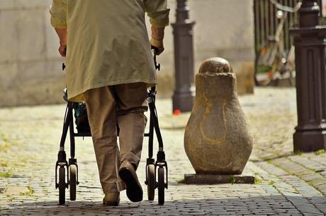 シルバーカーと歩行車|介護保険でレンタルしています