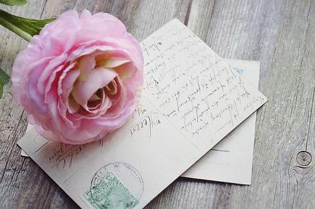 メールではなく手紙でお礼状が届く