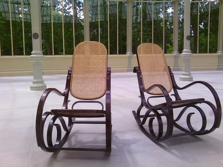 rocking-chairs-522757_640.jpg