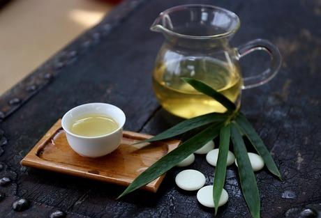 家庭でかんたんにできる手作り玄米茶|緑茶プラス炒り玄米