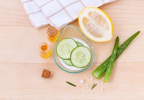 50代男性の肌も保湿で変わる|毎日のスキンケアに化粧水と乳液をたっぷりと
