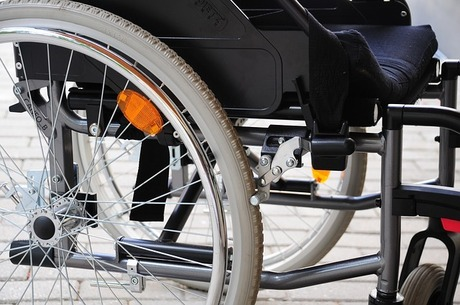 wheelchair-798420_640.jpg
