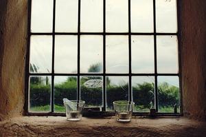 window-1560966_640.jpg